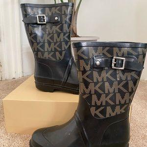 Black Michael kors logo rain boot size 6.5
